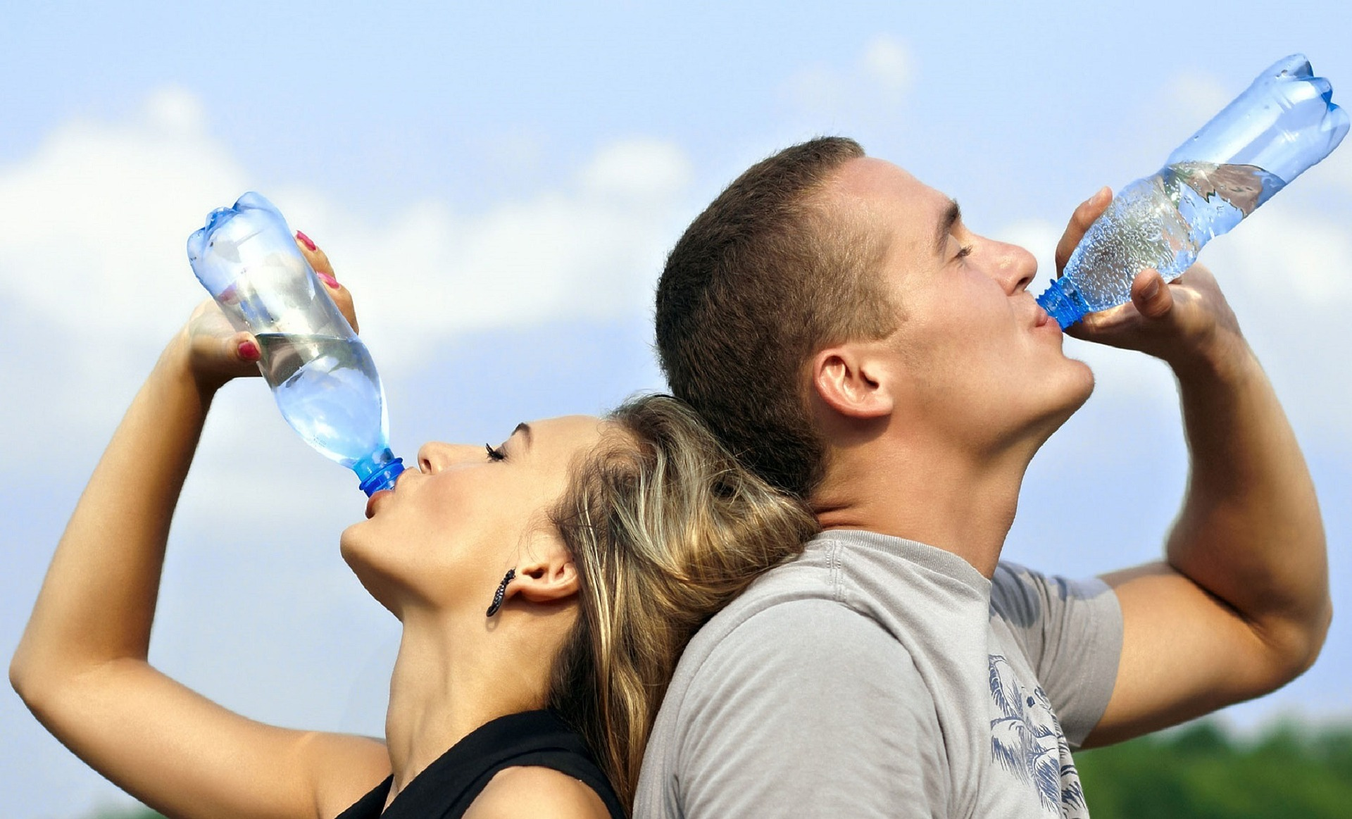 V létě nezapomínejte na pití.